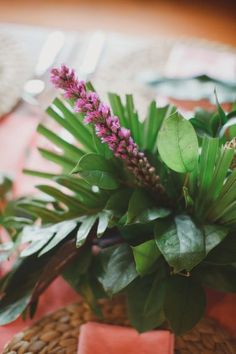 Florida Inspired Green Centerpiece   By the Robinsons! Photography