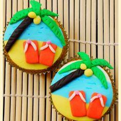 Beach or Pool Party Cupcakes {Kid/Teen Party Dessert Idea}