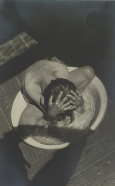 View Morning Wash Varvara Rodchenko by Alexander Rodchenko on artnet. Browse upcoming and past auction lots by Alexander Rodchenko. Alexander Rodchenko, History Of Photography, Film Photography, Street Photography, Russian Constructivism, Russian Avant Garde, Art Graphique, Russian Art, Photomontage