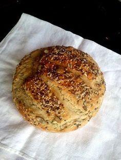 Magos, ropogós héjú, munkaigénytelen kenyér