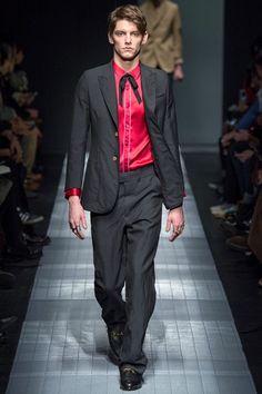 Sfilata Gucci Milano Moda Uomo Autunno Inverno 2015-16 - Vogue