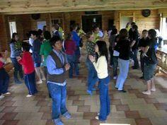 AFS Latvia - foreign students learning Latvian folk dance