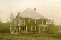 A vintage photo of the original farmhouse a Radford #553!