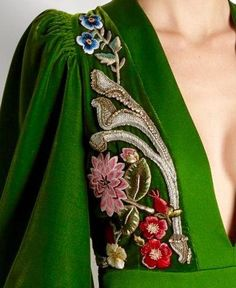 37 ideas embroidery clothes couture alexander mcqueen for 2019 Looks Style, My Style, Evening Gowns With Sleeves, Fashion Details, Fashion Design, Mode Inspiration, Dress Me Up, Passion For Fashion, Beautiful Outfits