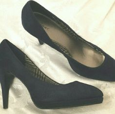 Navy Blue Fiona Microsuede Shoes Navy blue Fiona Microsuede shoes great for work or play. Preowned. Great condition. Size 8.5 Fioni Shoes Heels
