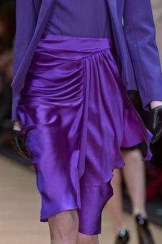 Guy Laroche at Paris Fashion Week Fall 2013 : gorgeous violet silk skirt Guy Laroche Fall 2013 - From Style Bistro via Sarah Phang Mode Purple, Purple Love, Purple Lilac, All Things Purple, Shades Of Purple, Purple Skirt, Purple Jacket, Deep Purple, Fashion Week