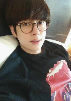 Jo Youngmin, Boyfriend Kpop, Kim Dong, Asian Men, Kpop Groups, Kdrama, Cool Photos, Best Friends, Celebrities