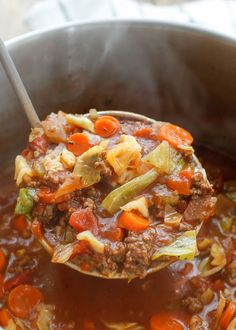 Hearty Italian Vegetable Beef Soup recipe filled with chunks of ground beef, plenty of vegetables, and generous Italian spices, Paleo, Soup Recipes) Beef Soup Recipes, Paleo Soup, Healthy Soup, Paleo Recipes, Real Food Recipes, Cooking Recipes, Recipes With Beef Soup Bones, Soup With Beef Broth, Italian Soup Recipes