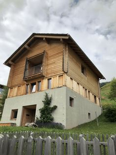 Alpine homes. Peter Zumthor, Leis, Cabin Ideas, Switzerland, Facade, Minimalist, Golf, Homes, Explore