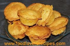 2015-04-21-wildspasteitjies Snack Recipes, Dessert Recipes, Snacks, Desserts, Ma Baker, South African Recipes, Sausage Rolls, Hand Pies, Pastry Recipes