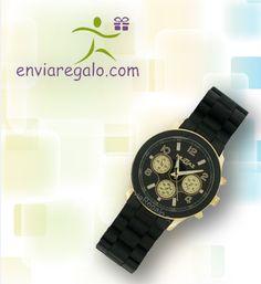Reloj de pulso negro con dorado o plateado y extensible de caucho.