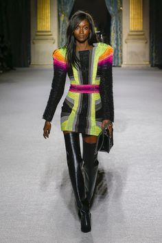 The complete Balmain Fall 2018 Ready-to-Wear fashion show now on Vogue Runway.