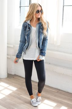 Sweatshirt Hooded Denim Jacket - Medium Wash Source by Jean jacket outfits Outfits Leggins, Jean Jacket Outfits, Leggings Outfit Fall, Outfit Jeans, Black Leggings, Jean Jacket Styles, Dress With Jean Jacket, Tribal Leggings, Yoga Pants Outfit