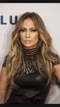 54 ideas hair color balayage jennifer lopez for 2019 Jlo Style, Jennifer Lopez Hair Color, Jennifer Lopez Makeup, Corte Y Color, Hair 2018, Hair Color Balayage, Hair Dos, J Lo Hair, Curly Hair Styles