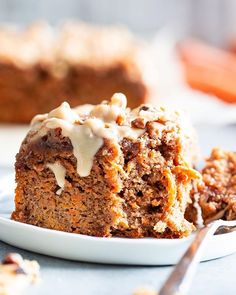 Sweet and moist with lots of cinnamon crumb topping this carrot cake coffee cake is sure to become a favorite It s perfect for serving to guests or making ahead of time as a grab and go breakfast It s gluten-free dairy-free paleo and family approved Paleo Dessert, Paleo Sweets, Gluten Free Desserts, Gluten Free Recipes, Dessert Recipes, Recipes Dinner, Paleo Cake Recipes, Diet Recipes, Ketogenic Desserts