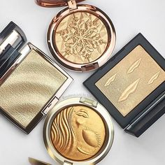 Anastasia Beverly Hills collabs are our absolute favorite! Amrezy is just so beautiful and gives us such incredible inspiration! This highlighter is so gorgeous and fits for many awesome makeup looks you want to do!