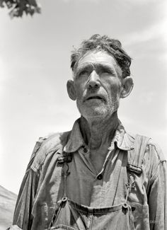 "June 1939. ""Veteran migrant agricultural worker camped in Wagoner County, Oklahoma. He has followed the road for about 30 years. When asked where his home was he said, 'It's all over.'"" 35mm negative by Russell Lee"