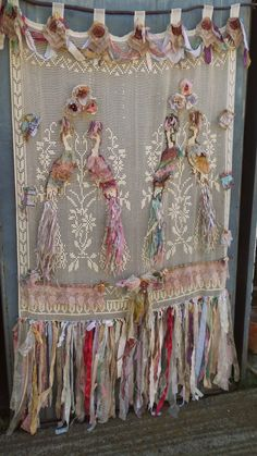 Tapestry, macrame wall hanging, Crochet Curtain with peacocks motif, Filet Crochet, French Cottage Chic Boho Gypsy door room divide Shabby Chic Baby, Shabby Chic Living Room, Shabby Chic Kitchen, Shabby Chic Homes, Shabby Chic Furniture, Shabby Chic Decor, Gypsy Decor, Rideaux Boho, Rideaux Shabby Chic