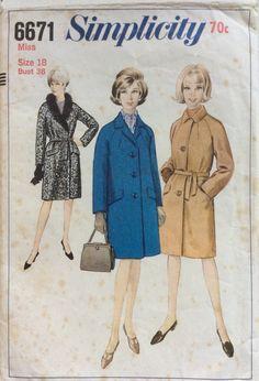 1960s raglan sleeve coat Simplicity 6671 vintage sewing pattern Bust 38 Waist 30 Hip 40 Retro 60s Mad Men era Preppy style lined overcoat by 101VintagePatterns on Etsy