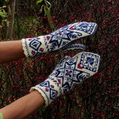 HandKnitted Norwegian Mitts with Estonian Embroidery by domklary, $30.00