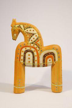 Intarsia Wood, Wooden Horse, Horse Crafts, Wooden Shapes, Primitive Folk Art, Animal Sculptures, Wood Toys, Horse Art, Wood Sculpture