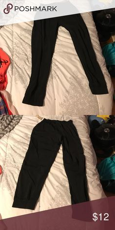 Medium black MC Hammer type pants Never worn. Still has tags. Great condition. American Eagle Outfitters Pants Ankle & Cropped