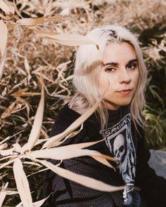 PVRIS - Lynn Gunn