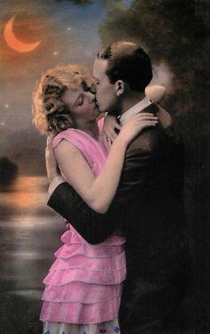 A Vibrant Romance - 1920s vintage lovers postcard