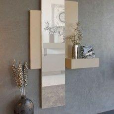 Recibidor de diseño con espejo vertical y mesa cónsola acoplada