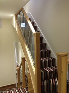 Oak Bannister w/solid clear panels - great babyproofing