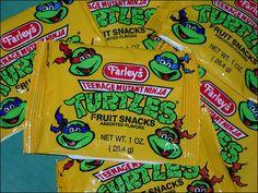TMNT Fruit Snacks these were in my lunch box once in awhile 90s Childhood, Childhood Memories, Ninja Turtle Party, Baby Sloth, 80s Kids, Fruit Snacks, Ol Days, Good Ol, Teenage Mutant Ninja Turtles