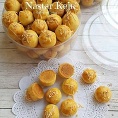 Resep nastar kekinian istimewa Cookie Recipes, Snack Recipes, Dessert Recipes, Snacks, Easy Recipes, Indonesian Desserts, Asian Desserts, Indonesian Food, Cake Oven