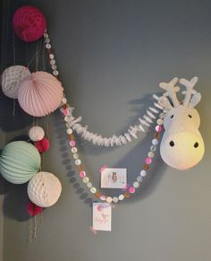 ♥ sur un nuage / kids decor heres a fun look for the girls rooms for christmas :-) Kids Sleep, Kids Corner, Little Girl Rooms, Kid Spaces, Kidsroom, Kids Decor, Girls Bedroom, Decoration, Garland