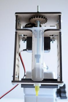 Peter Jansen Unveils a Solder Paste Extruder For 3D Printing http://3dprint.com/53642/solder-paste-extruder/