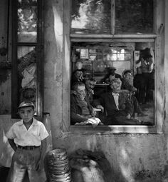 Kartal kahvesi --İstanbul Foto: Ara Güler..
