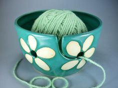 bowl yarn holder