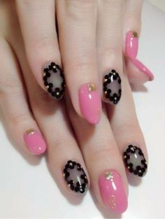 Pink and gold with flowers #nails