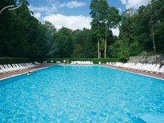 Vous pourrez goûter au calme de ce parc arboré de 23 hectares, tout en profitant du domaine de loisirs avec ses multiples activités.