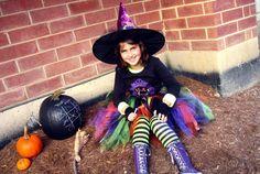 costume de déguisement de sorcière avec tutu coloré et chapeau de sorcière…