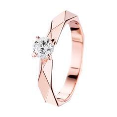 Solitaire serti d'un diamant, sur or rose