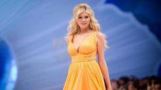 Kate Upton Beautiful Yellow Dress Pose