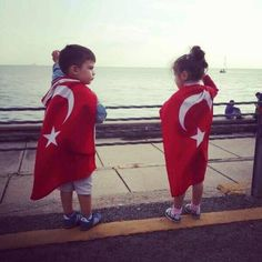 Taksim Gezi Parkı direnişinde Mustafa Kemal'in küçük askerleri :)