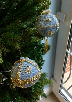 Uk Beaches, Scallop Shells, Wedding Trees, Cafe Shop, Gold Glitter Paint,  Hanging Decorations, Beach Huts, Jute Twine, Coastal
