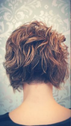 Brown-Curly-Bob-Hair-Back-View Best Short Brown Haircuts 2019 Best Short Brown Haircuts Short brown hairstyles are a good base for sweet, cute, sassy and creative looks. Stacked Bob Hairstyles, Curly Bob Hairstyles, Curly Hair Styles, Short Brown Haircuts, Short Hair Cuts, Short Pixie, Corte Y Color, Pixie Haircut, Bob Haircut Back
