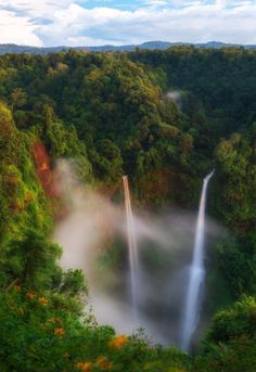 Close up of Tad Fane Waterfall. Southeast Asia's most spectacular waterfalls. Photo by Jirawat Plekhongthu. Source Flickr.com