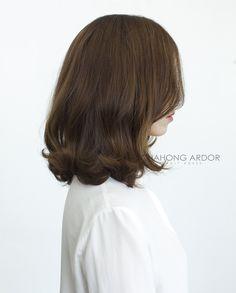 7 중간머리 볼드펌 Korean Curls, Korean Short Hair, Medium Hair Styles, Short Hair Styles, Permed Hairstyles, About Hair, Hair Hacks, Hair Goals, Her Hair