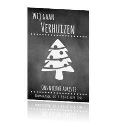 Kerst verhuiskaart met krijtbord en kerstboom