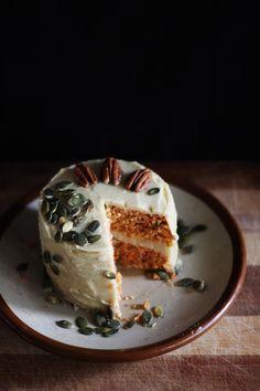RAW VEGAN CARROT CAKE with CREAMY CASHEW LEMON FROSTING