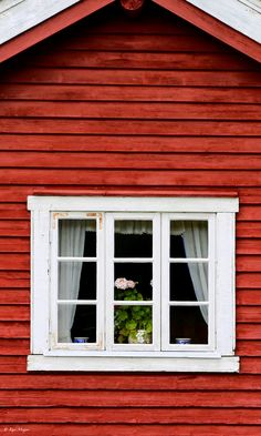 Fagernes, Norway Sweden. Falun is the name of a Swedish, deep red paint well known for its use on wooden cottages & barns. The paint originated from the copper mine at Falun in Dalarna, Sweden. The traditional color remains popular today due to its effectiveness in preserving wood.