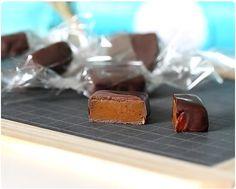 Avec ou sans chocolat ? Je me suis posée la question avant de les envelopper dans du papier cristal et de les offrir. Finalement ça sera avec ! La recette